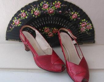 década de 1940 vintage cuero rojo Honda bombas, 40s Pío zapatos del dedo del pie, cuero rojo Vintage años 40 tres pulgadas talones