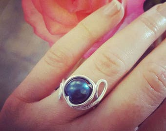 """Lounabe"", dark blue, adjustable Pearl ring"