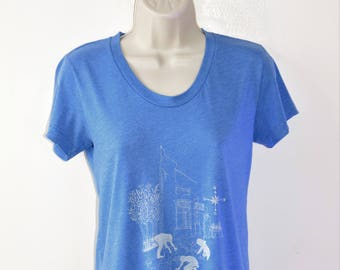 SALE! Unique Blue Vintage T-Shirt with White Printed Design - S