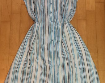 Beautiful 1970's vintage blue and white striped summer dress - sun dress - nautical dress