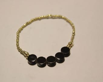 Black and Gold Elastic Beaded Bracelet