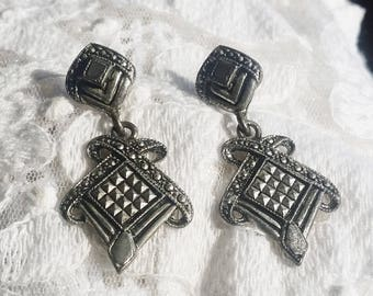 Vintage Boho Dangle Silver Pierced Earrings - 1980 - Excellent Detail and Condition - Any Occasion - Vintage