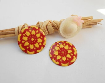 x 2 sequins enamelled red yellow flower
