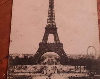 the Eiffel Tower postcard