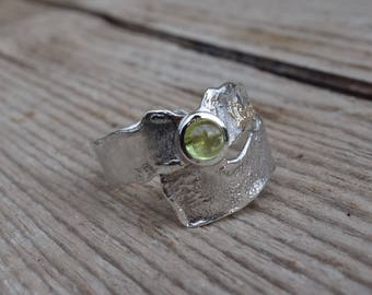 Silver ring, peridot, silver ring gold, textured ring, wide ring, silver crinkle ring, rustic ring, reticulated silver ring