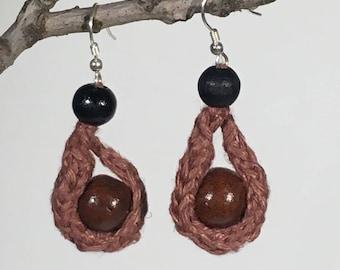 Handknit linen earrings with wooden beads