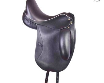 Black Elegance Dressage Saddle 17'' from Skidar