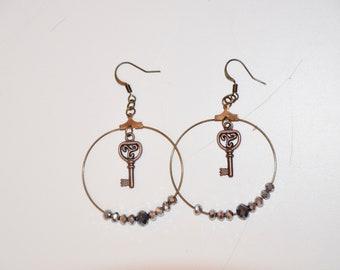 Key round earrings