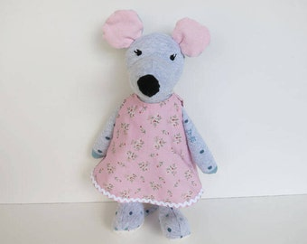 Handmade Stoffmaus made of cotton material//a special gift for children//animal toy for Love