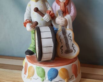 Vintage Clown Couple Duo Statue Ceramic Collectible Decoration Send In The Clowns Drum Figurine