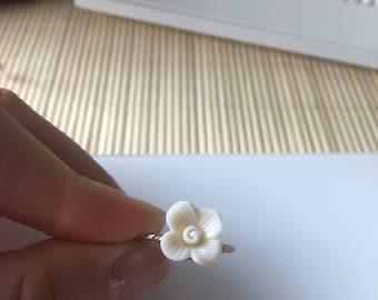 Stunning Vintage Inspired White Rose Ring