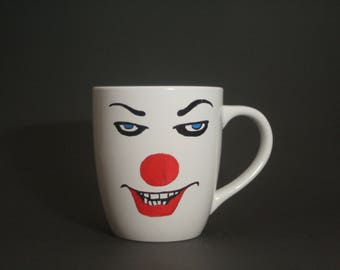 Pennywise the Clown, Horror Mug, Tim Curry, IT, Hand Painted, Stephen Kings IT, Stephen King, Losers Club, Movie Fan, Gift, Derry Maine