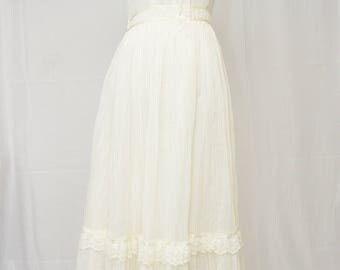Vintage  White 1970's GUNNE SAX by Jessica Dress.