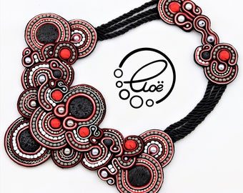 Queen of Hearts Bib-Necklace