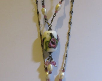necklace Marked 925 pearls and glass work