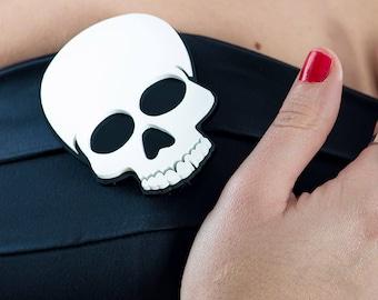 """Skull Brooch """"Memento Mori"""""""