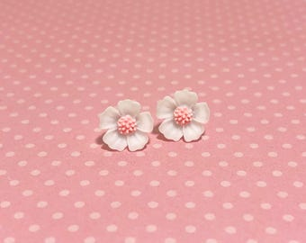 White Petals and Pink Center Cherry Blossom Sakura Flower Stud Earrings with Surgical Steel Posts (SE13)