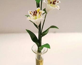 Bunch of 2 white tiger lilies and buds in transparent vase - for 1:12 dollhouse