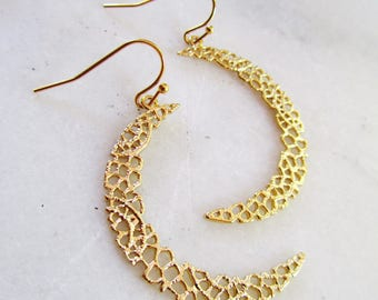 Gold Crescent Moon, Textured Earrings, Matte Gold, Eclipse, Geometric, Lace Pattern, Bohemian, Filigree, Style, Modern, Bridesmaid Earrings
