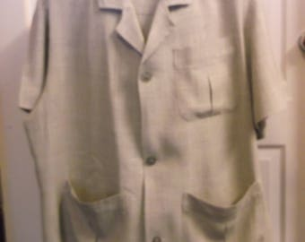 Vintage Style Mens Guayabera Shirt - pleating detail to back and pockets
