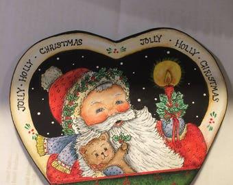 Heart Shaped Bowl with Santa Lid         3223
