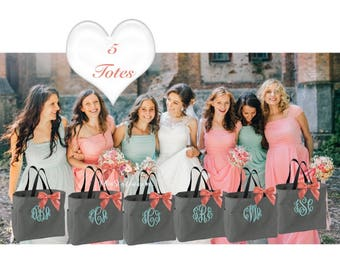 Bridesmaid Totes SET OF 5 \\ Bridal Party Tote Bags \\ Monogrammed Tote Bags \\ Bridesmaids Tote \\  Bridesmaid Gifts