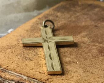 Modernist Gold Tone Etched Cross Pendant Unsigned Clean Straight Lines Star Centre Masculine Feminine Religious Christian Prayerful