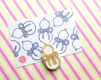 hyotan gourd rubber stamp | japanese stamp | traditional good luck symbol pattern | diy card making | hand carved stamp by talktothesun