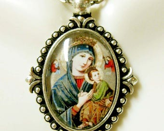 Our Lady of Perpetual Help pendant and chain - AP05-215
