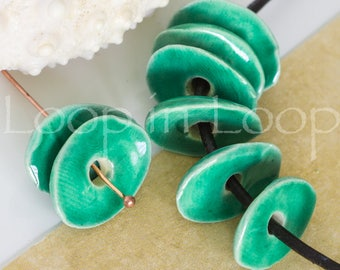 4 emerald green Mykonos Greek Beads Cornflake Chips bead, enamel Ceramic bohemian beads shiny discs cornflakes 13-16mm Bead DIY