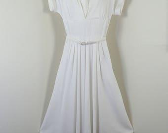 Vintage 1950's White Linen Dress-Retro Hourglass Washable Linen Cocktail Dress w/Lace Detail & Original Belt