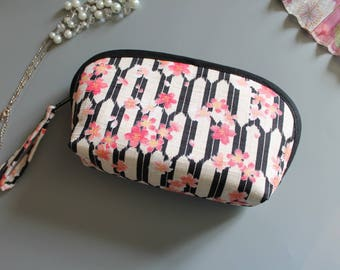 "Cosmetic bag - 7"" x 4.7"" zipper pouch - white black pink - Honoka"