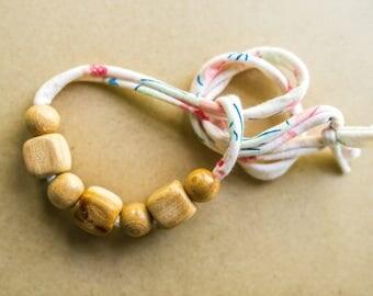 Wood Breastfeeding Necklace - Organic Nursing Necklace - Nursing Necklace For Mom - New Baby Gift - Organic Baby - Babywearing Necklace
