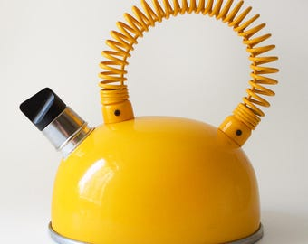 Vintage Whistling Stovetop Kettle Yellow Prodmet 1.5 L As Seen