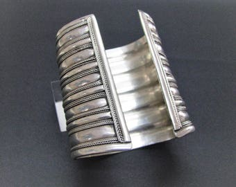 Antique Indian Silver Cuff Bracelet, Ethnic Tribal, Flared Cuff Bracelet, High Grade Silver, 98% approx. India Bracelet, 99.5Grams(3.510oz.)