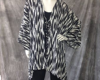 Black and White print tie front Cardigan
