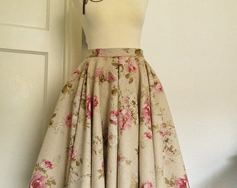 Vintage floral print circle skirt with pockets\\tea length full skirt\\available in sizes xs-xl or made to measure.