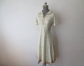 Vintage '60s/'70s Grid & Diamond Novelty Print, Fully Lined Polyester V-Neck Dress, Medium