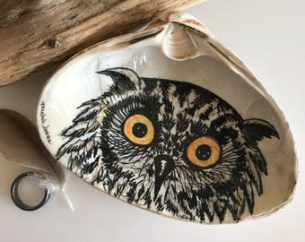 Owl Ring Dish, Owl Lover Gift, Owl Ring Holder, Hand Painted Clam Shell, Owl Art Decor