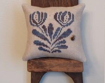 primitive stitch glazed stoneware sampler flower small pin pillow pin cushion 2(6)