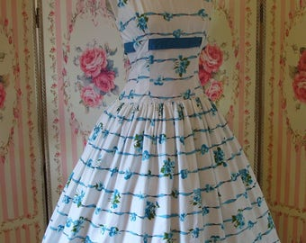Gorgeous Vintage 1950s Blue Pansy Print Cotton Day Dress w/ Full Skirt By Carol Craig S Small 26 27 Waist