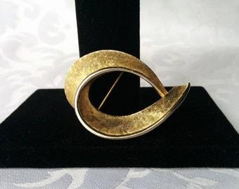 Gold Swirl Brooch, Gold Brooch, Gold Tone Brooch, Numbered Gold Brooch