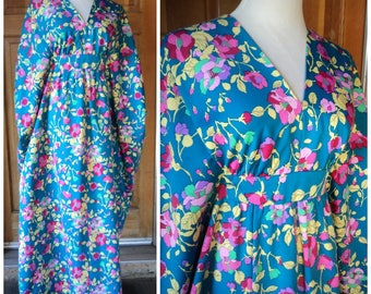 Vintage 70s Flower Power Hippie Caftan Angel Sleeves Kimono Free Size Empire Long Flowing Kaftan Poolside 36B
