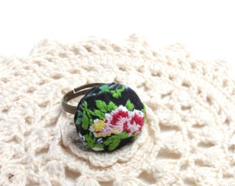 Embroidery Ring - Ring - Flower Ring - Embroidery Jewelry - Flower Ring - Vegan Jewelry - Ring - Adjustable Ring - Embroidered Flower