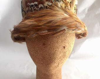 Vintage 1960s Women's Lecie Colorful Feather Cloche Hat
