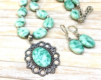 Tree Agate   Necklace ,Boho  Necklace Vintage Style  Cameo Necklace  Green Gemstone Statement Jewelry by Lyrisgems