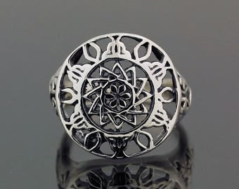 Bali Style Silver Ring // 925 Sterling Silver // Ring Size 7.5 // Handmade Jewelry