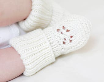 Hand knit baby socks, merino socks for newborn, baby booties