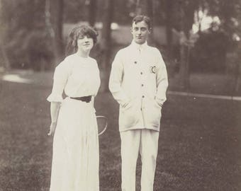 Young couple, Vintage photograph c1910s