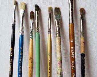 COLLECTION of 8 VINTAGE WOOD Artist Brushes, 8 Paint Brushes Natural Bristles, Name Brand Artist Brush, Loft Display, Shelf Decor